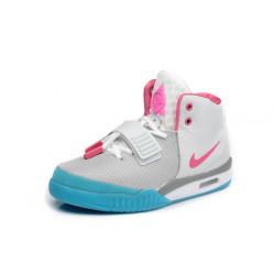 Nike Yeezy 2 с розовым